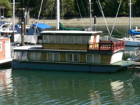 1987 Custom Houseboat
