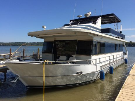 "2001 Monticello River Yacht 60' X 17' 6"" Walkaround"