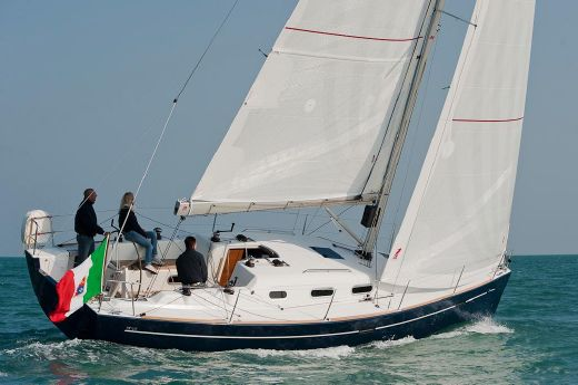 2011 Italia Yachts IY10.98