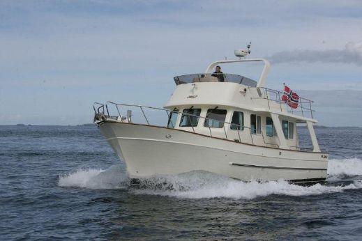 2017 Explorer Motor Yachts 43