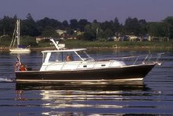 2002 Hunt Yachts 36 Hardtop Sedan Twinjet Express