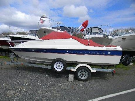 2005 Bayliner 192 Capri Cuddy