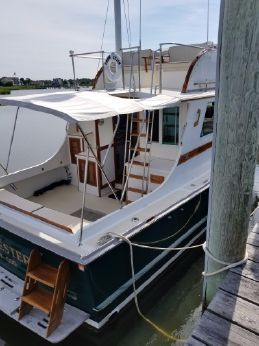 1986 Wilbur 38 Flybridge Cruiser