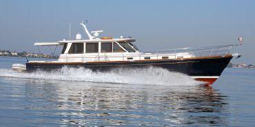 2002 Alden Yachts 56 Hard Top Express