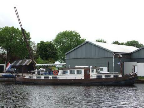 1913 Barge Live aboard