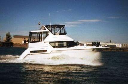 1995 Carver 355 Aft Cabin