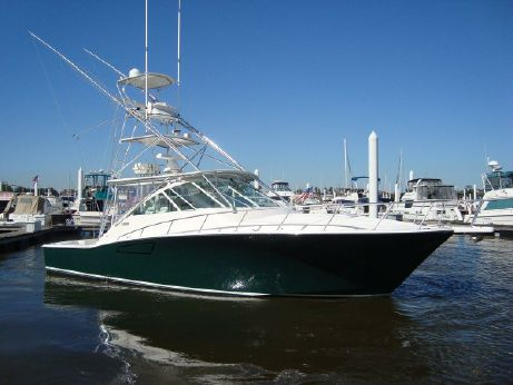 2004 Cabo Yachts 40 EXPRESS