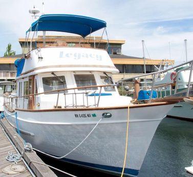 1986 Universal 36 Trawler
