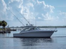 2009 Riviera 43 Offshore Express