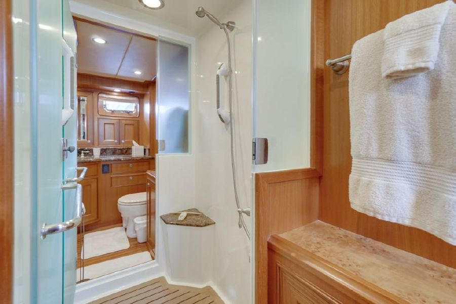 2010 Offshore 64 Voyager Master Bathroom Head