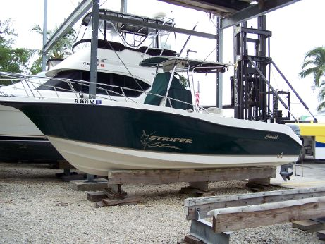 2004 Seaswirl Striper 2601 Center Console O/B