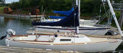 1983 J Boats J/22