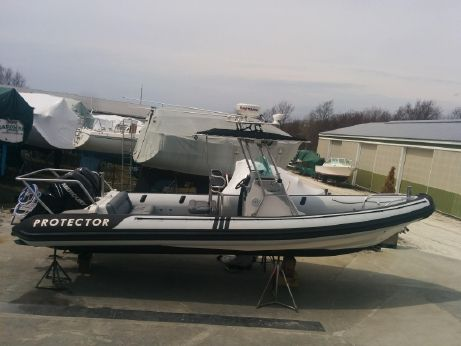 2006 Protector Center Console