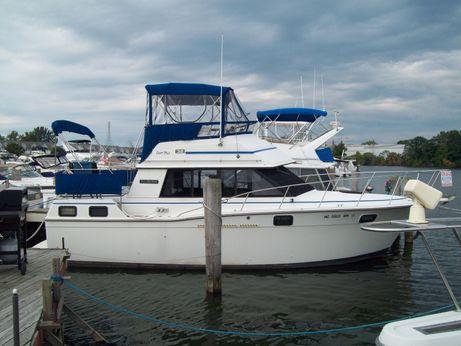 1986 Carver Yachts 32 Aft Cabin