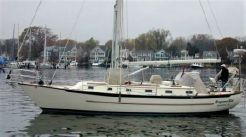 1998 Pacific Seacraft -- Crealock design