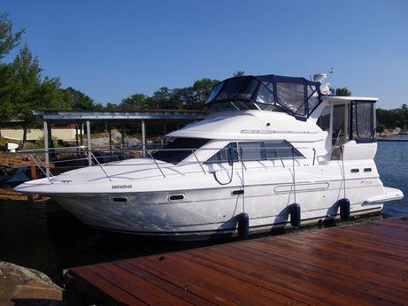 2004 Cruisers Yachts 375 Motoryacht