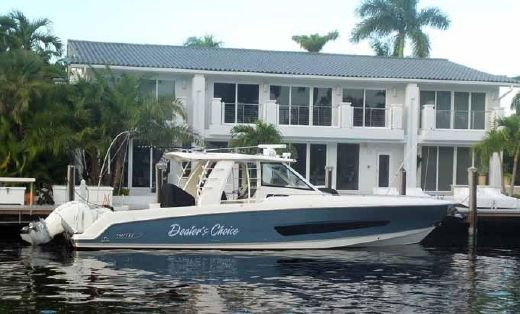 2016 Boston Whaler Outrage 42