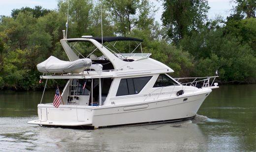 1995 Bayliner 3988 Command Bridge Motoryacht
