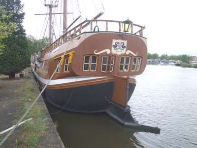 1911 Clipper Live aboard with mooring