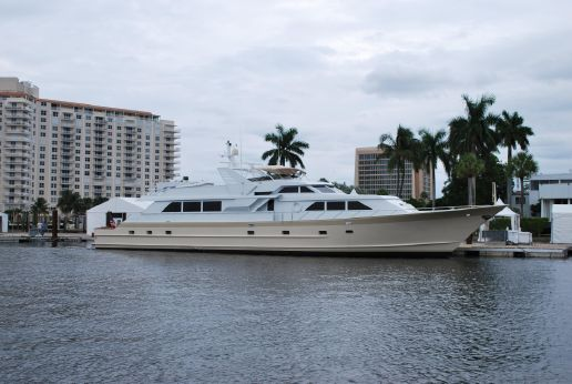 1990 Broward Cockpit Motor Yacht