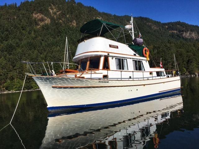 1976 chb 34 aft cabin trawler