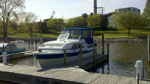 1980 Chris-Craft Double Cabin