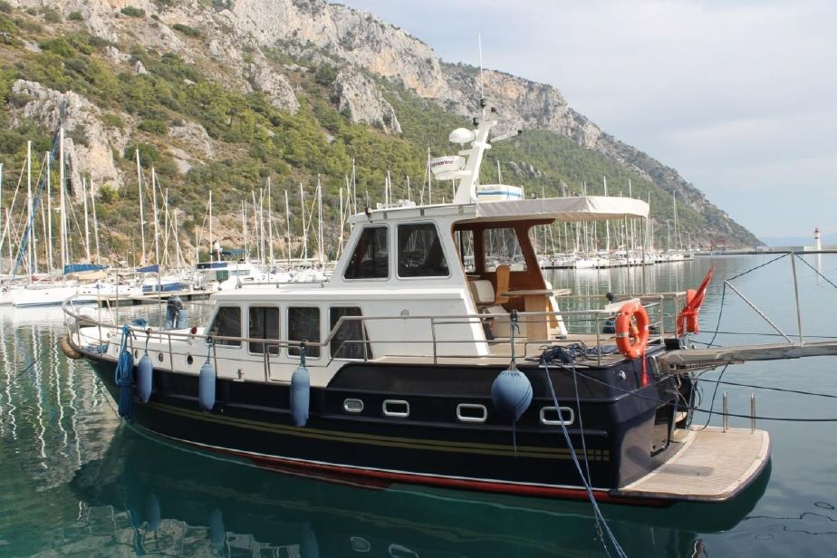 2009 custom built steel trawler