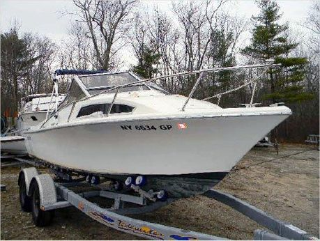 1975 Sea Craft Seafari Cuddy