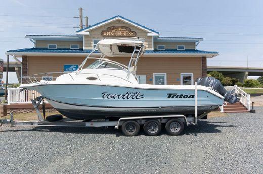 2002 Triton 2690 WA