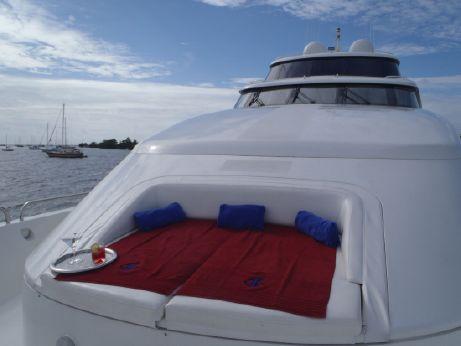 2000 Lazzara Motoryacht