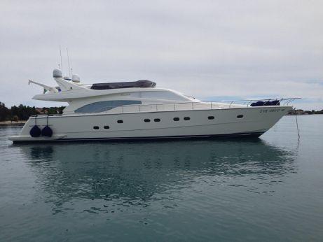 1999 Ferretti Yachts 680