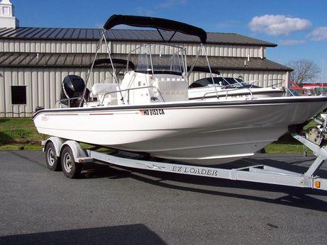 2005 Boston Whaler 220 Dauntless