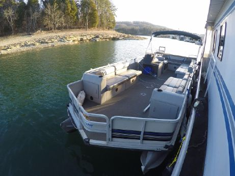 1992 Sun Tracker Party Barge 24 DL
