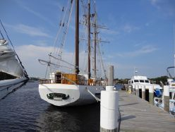 Photo of 170' Auxilliary Sail Barquentine Schooner