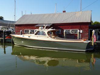 thumbnail photo 0: 2001 Hinckley Picnic Boat Classic