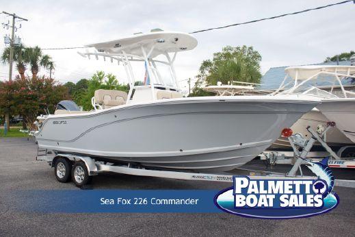 2018 Sea Fox 226 Commander
