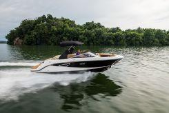 2019 Sea Ray 230 SLX