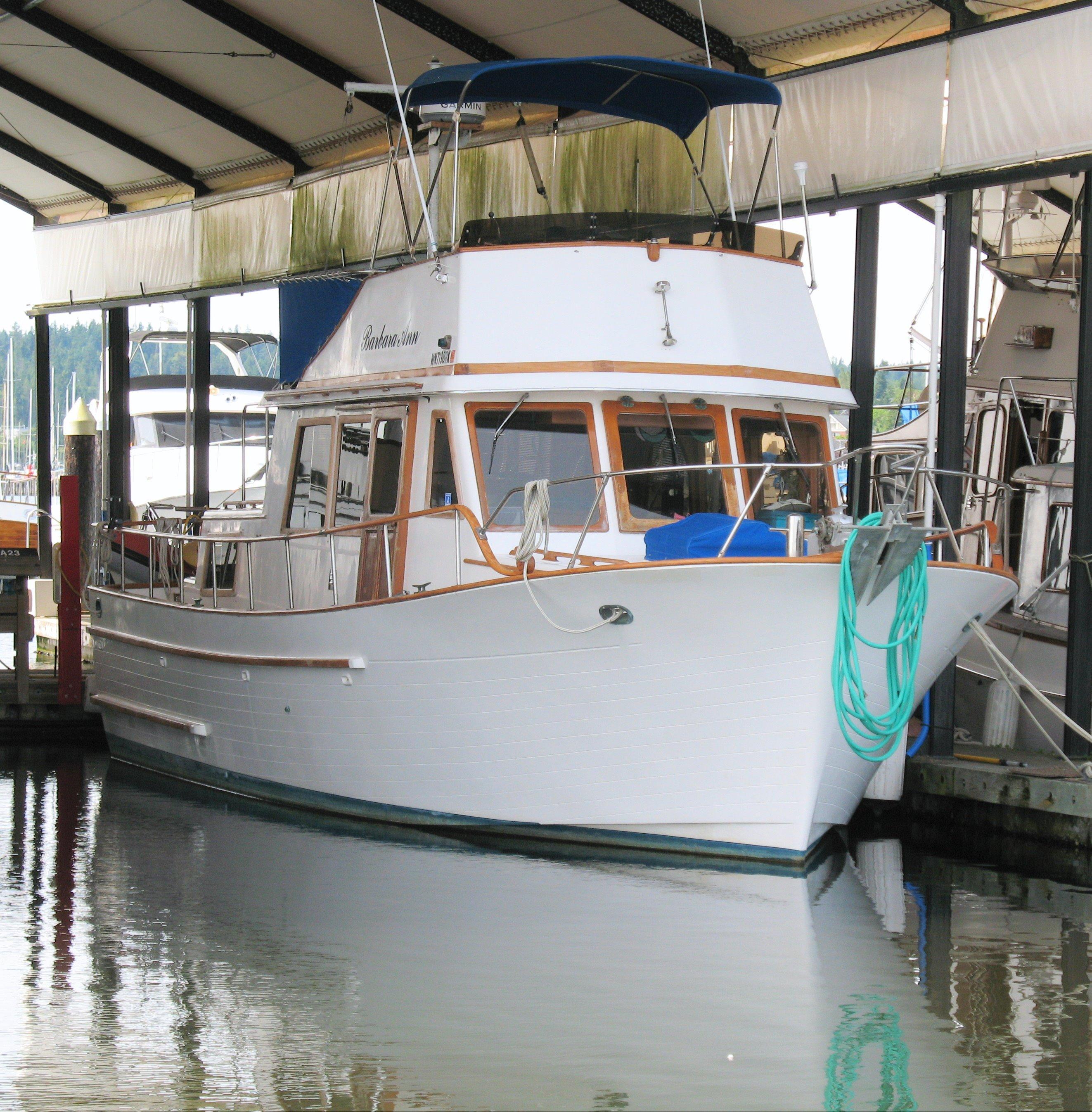 35 ft 1981 chb tri-cabin trawler