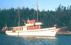 1893 union iron works classic fantail pilothouse power for Vintage motor yachts for sale