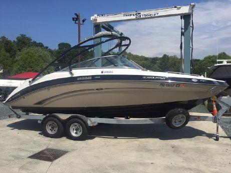 2013 Yamaha Sport Boat 242 Limited S