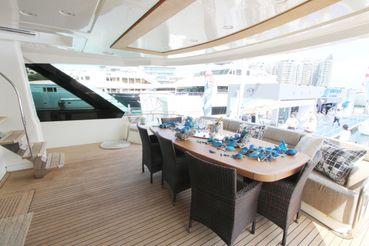 thumbnail photo 0: 2015 Monte Carlo Yachts MCY 86