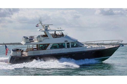 2018 Hunt Yachts 72