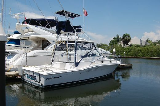 2001 Proline 33 Express Walk Around