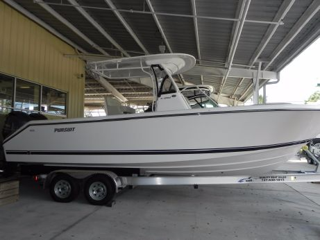 2016 Pursuit C 260 Center Console
