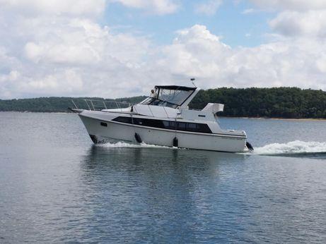 1987 Carver Yachts 3697 Mariner