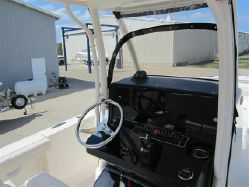 Photo of Pursuit 260 Center Console