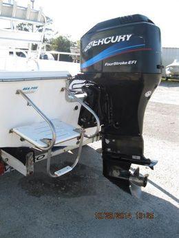 2002 Sea Pro SV2100CC Bay Boat
