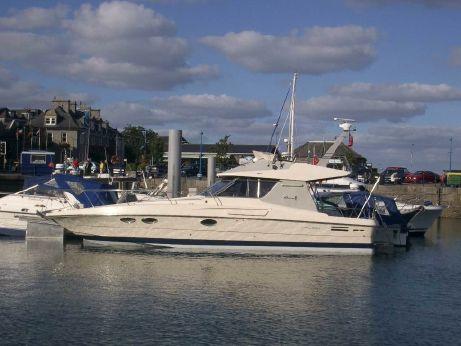 Boats for sale in finland riva rama 44 for Cabine nel berkshire