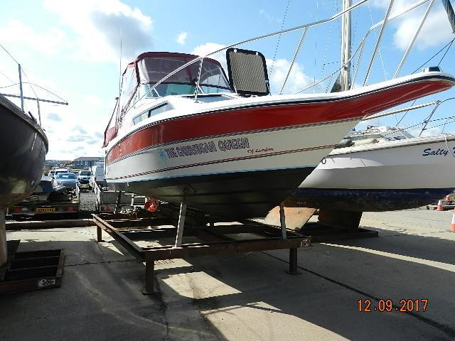 1990 rinker fiesta vee 250 power new and used boats for sale rh yachtworld co uk 2007 Infiniti FX35 Fuse Box Locations 2008 Mercedes E350 Fuse Box Location