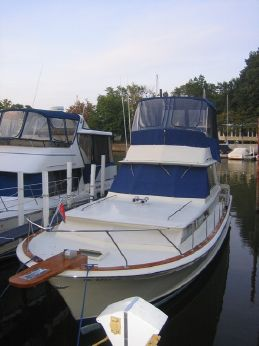 1968 Chris-Craft 38COMMANDER